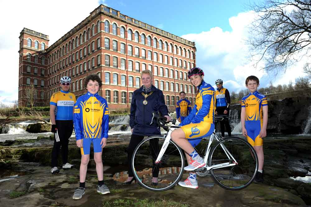 Johnstone cyclists are kitted out for Paisley 2021
