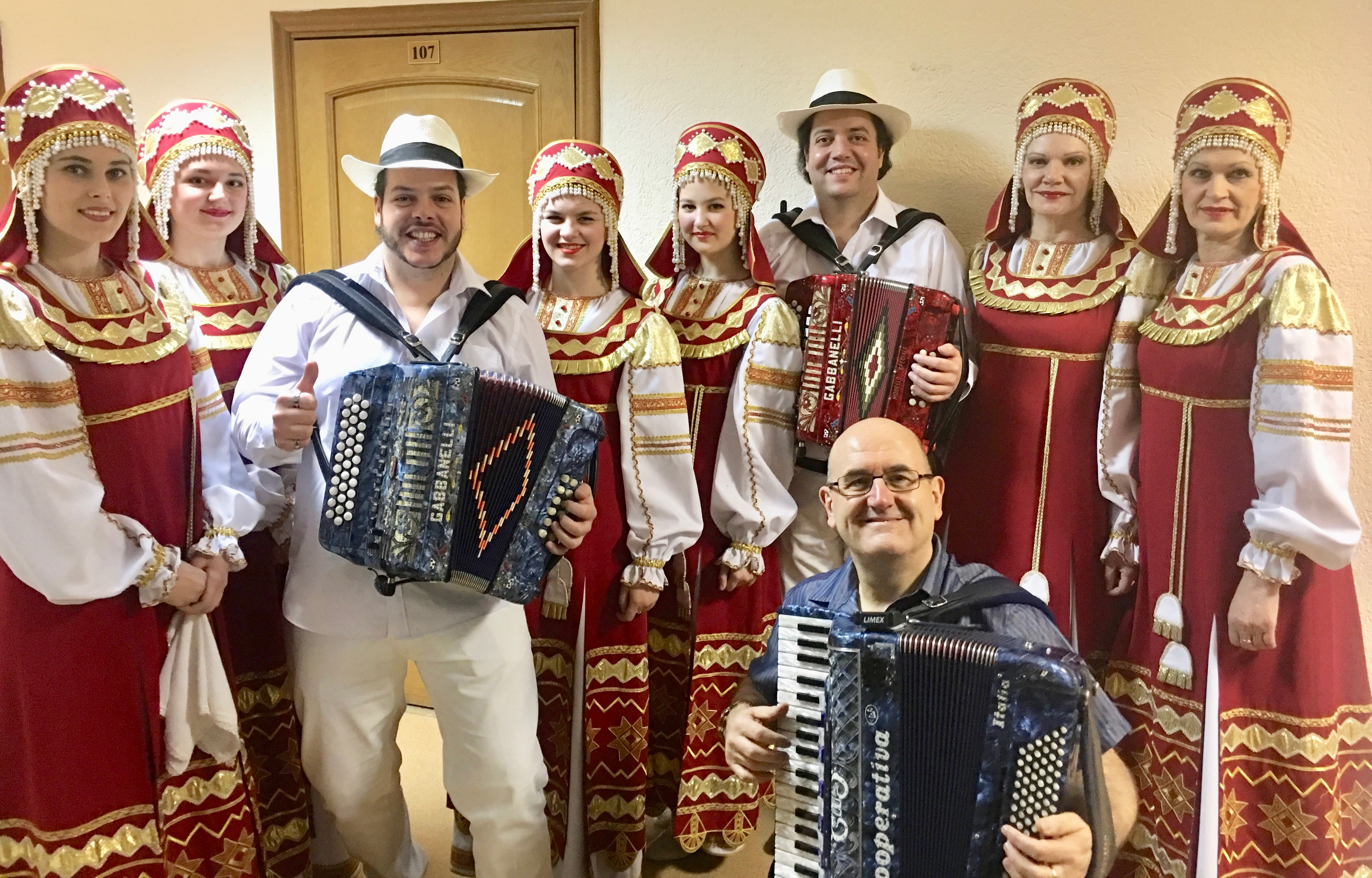 Accordionist flies the flag for Renfrewshire in Siberia