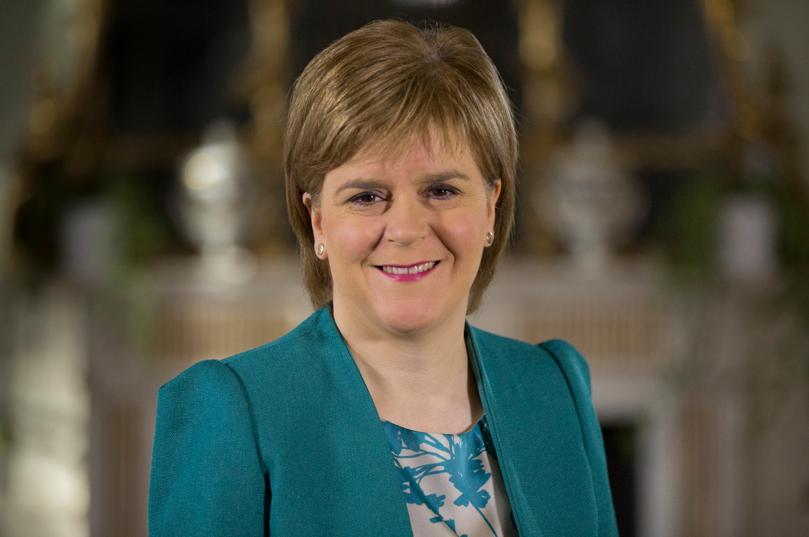 First Minister Nicola Sturgeon offers backing to Paisley 2021 culture bid