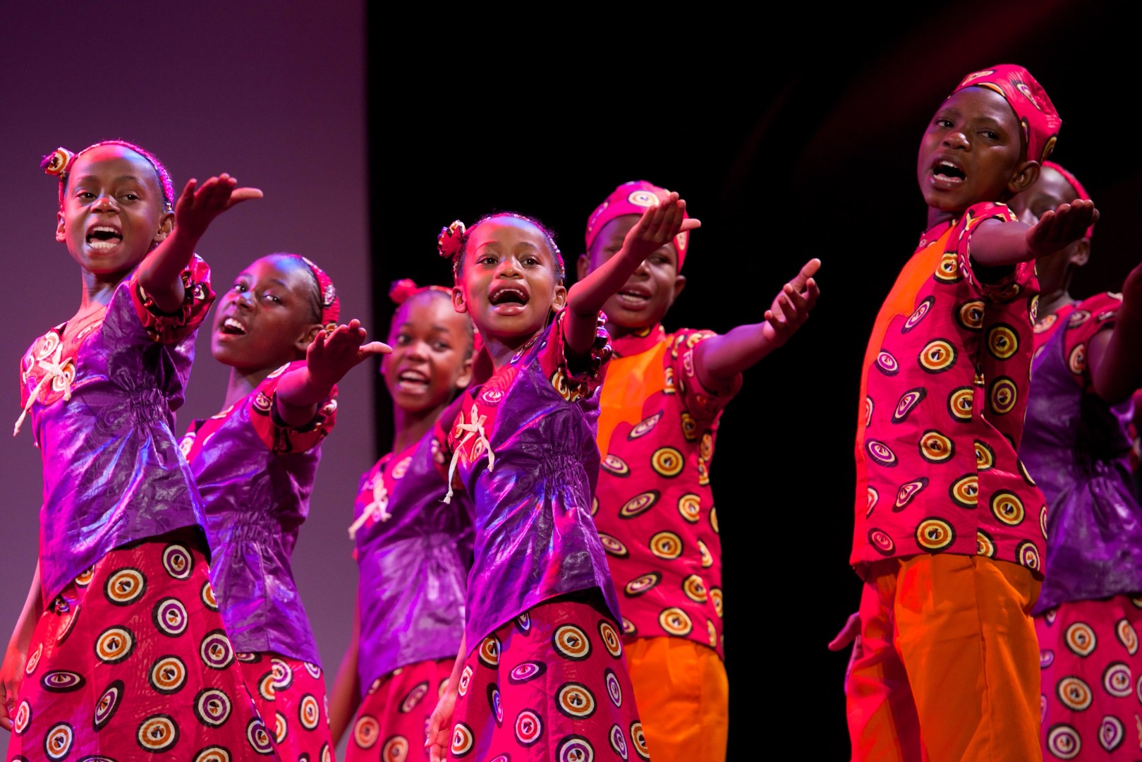 Singing Children of Africa Choir wow crowd with Paisley return