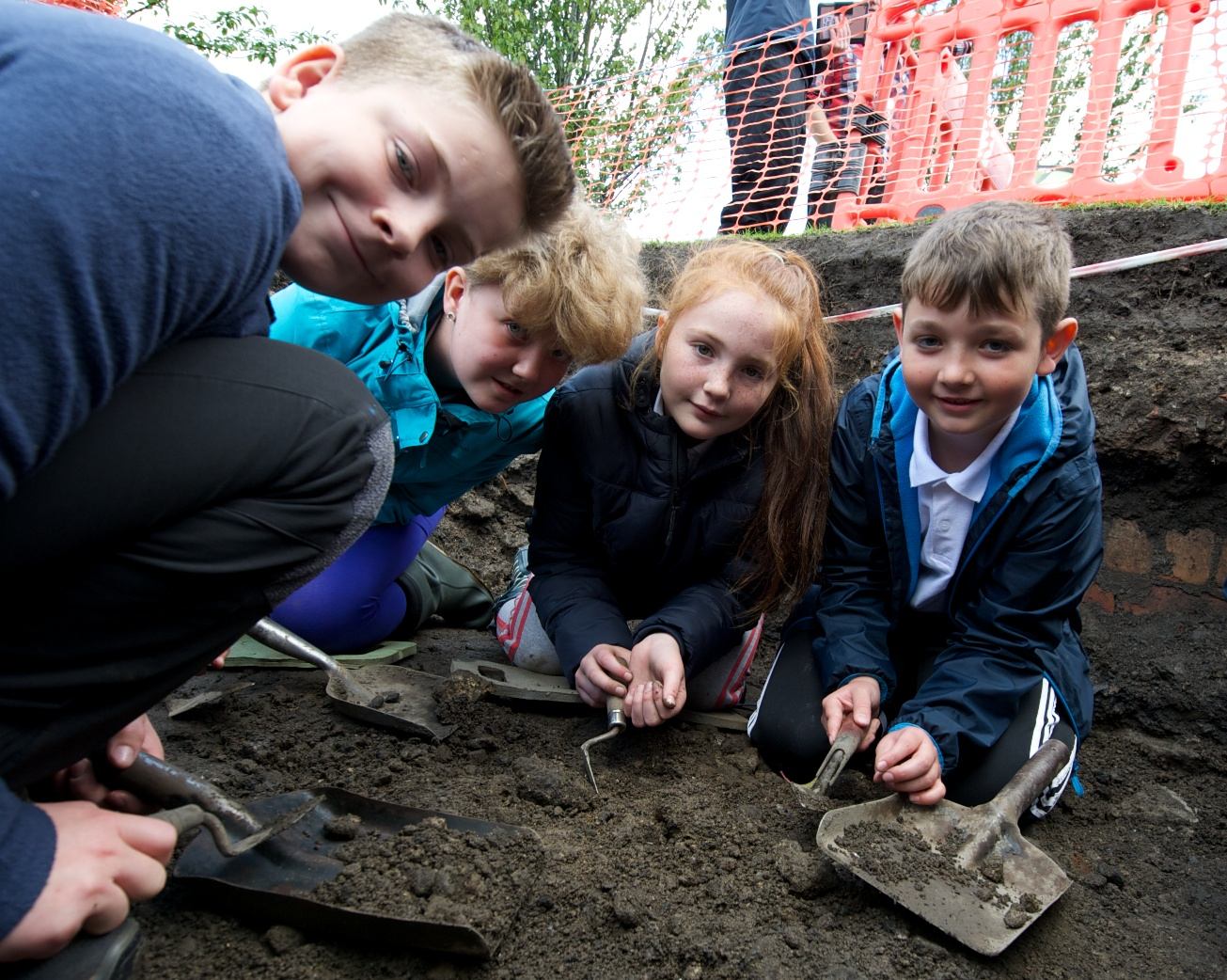 Hundreds of buddies take part in Paisley's Wee Dig