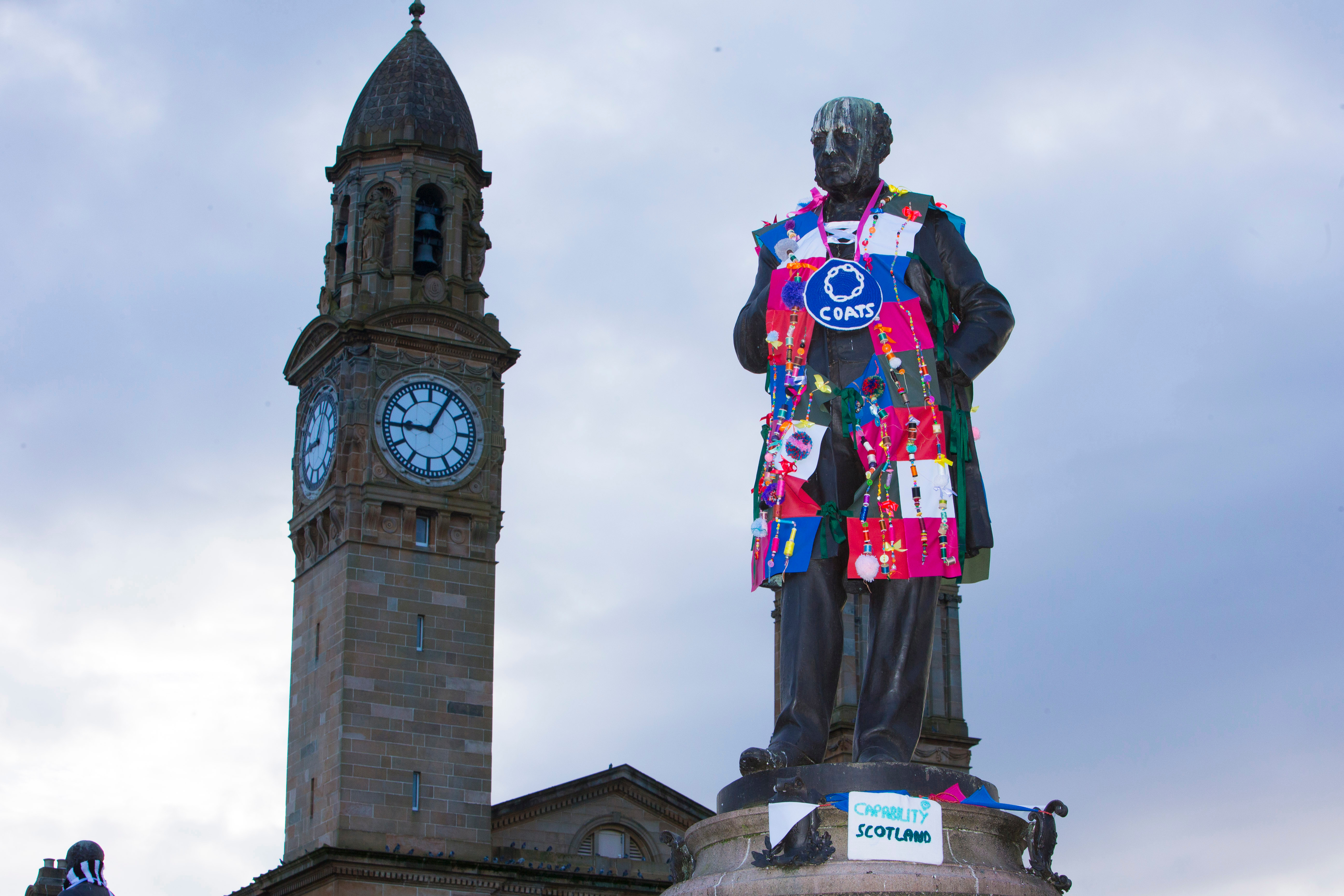 Paisley statues receive make over with Winter Coats yarn bombing project