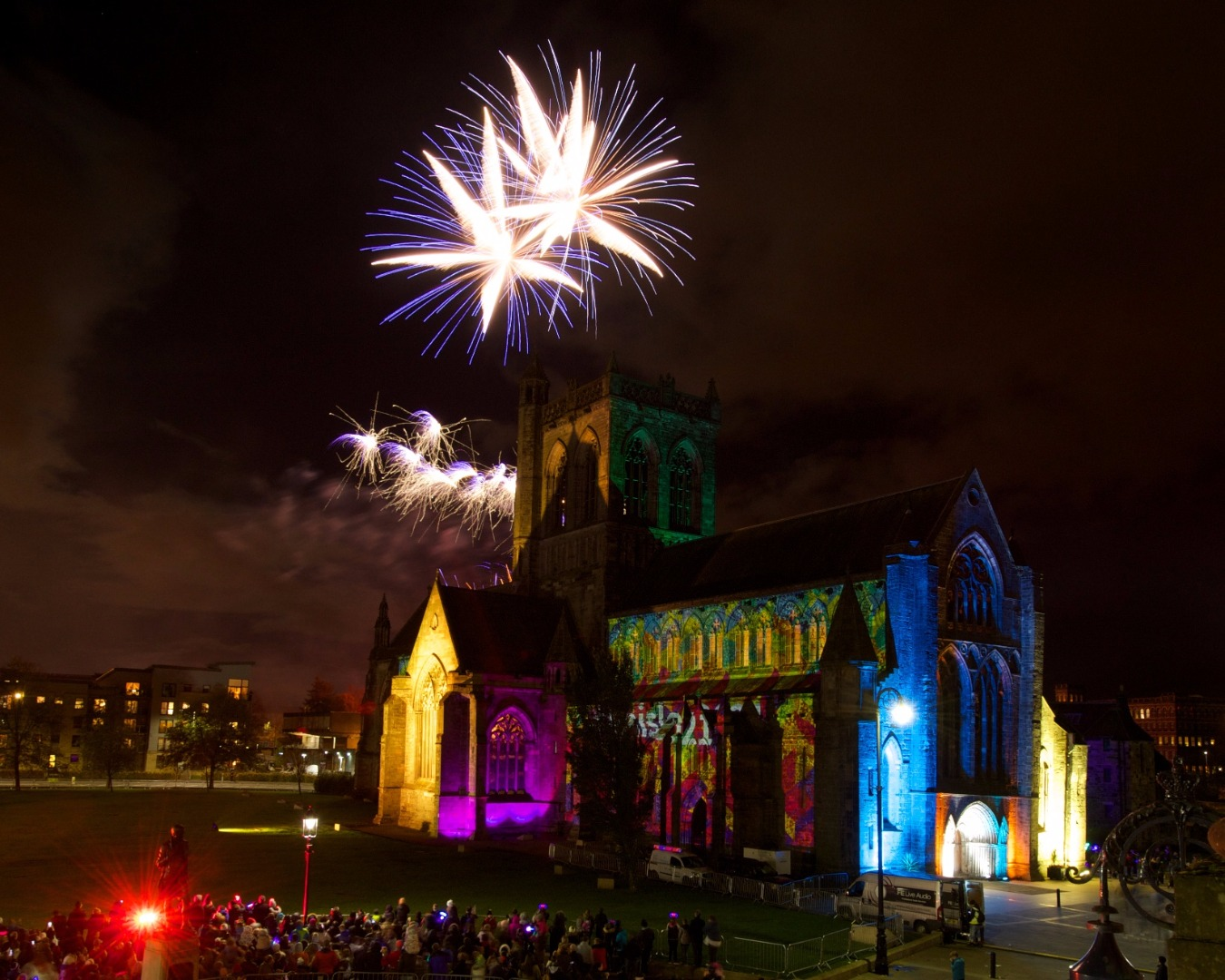 Thousands turn out to Paisley Fireworks Spectacular