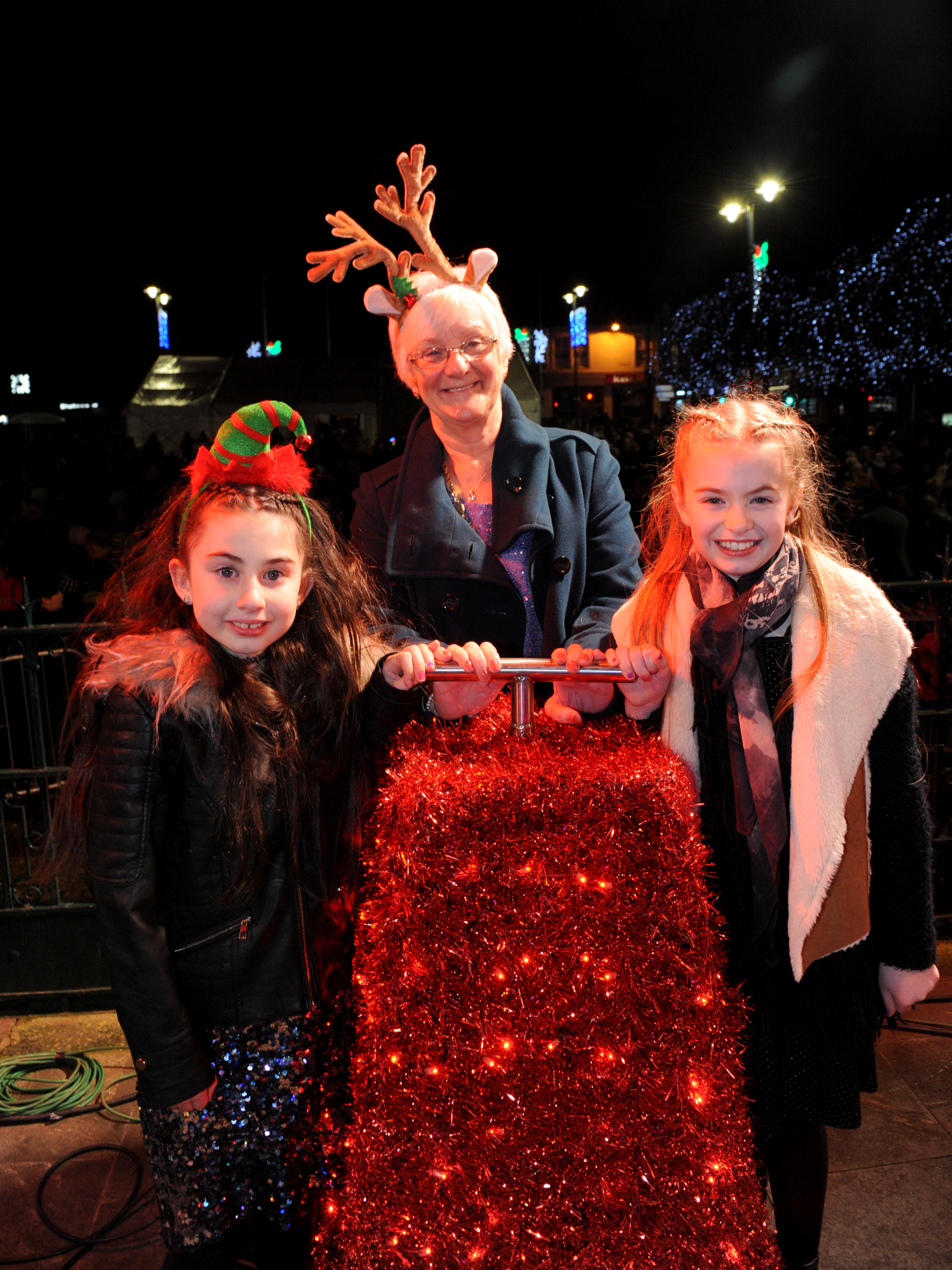 Festive fun as Johnstone lights up for Christmas